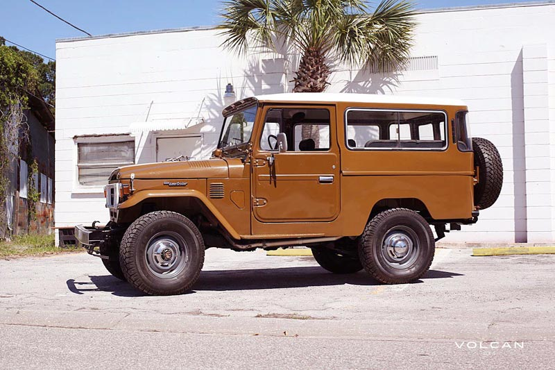 Volcan 4x4 Olivia 1979 land Cruiser  FJ43 photo